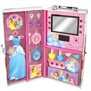 96043 Princess: Игровой набор детской декоративной косметики в чемодане с подсветкой
